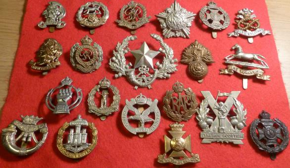 WW1 / WW2 BRITISH KINGS CROWN CAP BADGES X 20